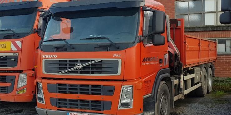 Vrachtwagen met laadkraan (21T/M)